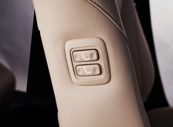 Accord-hybrid-Power adjust Co-Driver seat