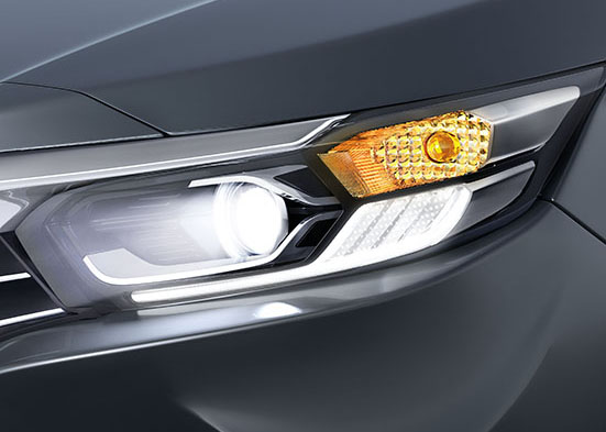 Honda Amaze-HeadLamp Integrated Signature LED Position Lights