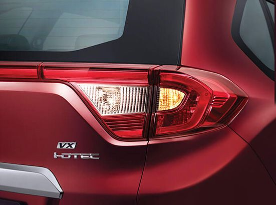Honda BRV Exterior - Sporty Rear Combination Lamps with LED Light Guide